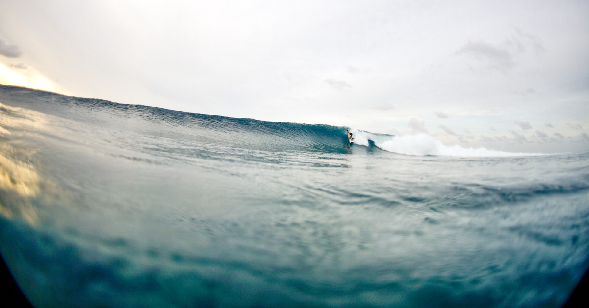 João Mendonça is surfing tubes in Maldives. Micasurfboards the Grom is his quiver.